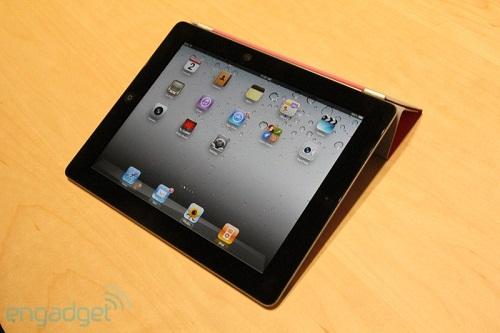 20110302-11282077-ipad-hands-img4792 (1)