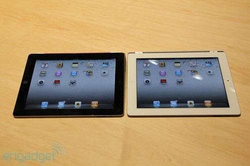 20110302-11282077-ipad-hands-img4794